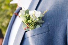 Boutonniere для конца groom стоковые фото
