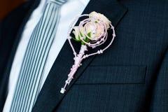 Boutonniere del ` s dello sposo Immagini Stock