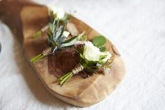 Boutonniere do casamento na madeira Imagens de Stock Royalty Free