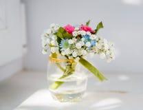 Boutonniere voor het boeket van bruidegomFlower royalty-vrije stock afbeelding