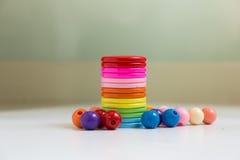 Boutons et perles colorés Image libre de droits