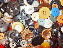 Boutons multicolores en gros plan Images stock