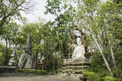Bouw het standbeeld van Boedha, in de tempel, Thailand opnieuw op Royalty-vrije Stock Foto's