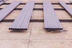 Bouw: Rechthoekige staalbuis met antiroest prepar verf Stock Afbeelding