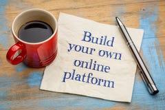 Bouw uw eigen online platformraad stock afbeelding