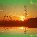 Bouw van de brug en de elektrische kabellijn Royalty-vrije Stock Fotografie