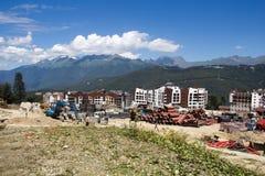 Bouw van de nieuwe Olympische skifaciliteit stock afbeelding