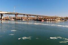 Bouw van de Voroshilovskii-brug Rostov-op-trek aan Rusland Royalty-vrije Stock Foto