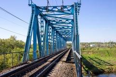 Bouw van een brug van de metaalspoorweg royalty-vrije stock foto
