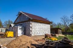 Bouw van een nieuw baksteenhuis stock afbeeldingen