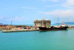Bouw van een nieuwe pijler en haveninfrastructuur Stock Afbeeldingen