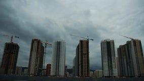 Bouw van een nieuwe woonwijk Timelapse 4K stock video