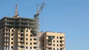 Bouw van woon complex met meerdere verdiepingen stock video