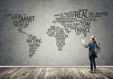 Bouwconcept en globalisering royalty-vrije stock afbeeldingen