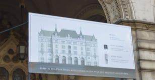 Bouwend tegengesteld aan Hongaars de Operahuis van de Staat in Boedapest op 29 December, 2017 royalty-vrije stock afbeelding