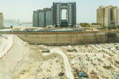 Bouwwerf die van Monorail in het midden van de Manier aan Atlantis, Doubai bekeek Royalty-vrije Stock Fotografie