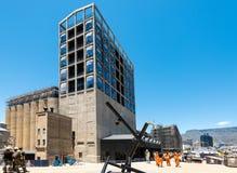 Bouwwerf van het nieuwe Zeitz-Museum van Eigentijdse Kunst van Afrika in Cape Town stock foto's