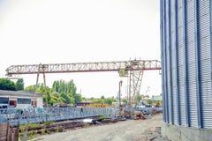 Bouwwerflift, graanschuur royalty-vrije stock afbeeldingen