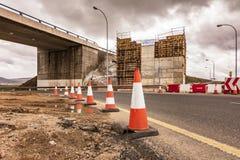 Bouwwerkzaamheden van een brug De bouw van de kolommen royalty-vrije stock foto