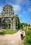 Bouwwerkzaamheid, poort van de concept de Khmer pagode Royalty-vrije Stock Foto's