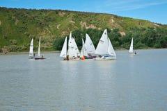 bouy赛跑的舍入的游艇 免版税库存照片
