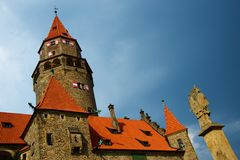 Bouzov Schloss lizenzfreie stockfotografie