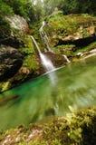 在Bovec斯洛文尼亚附近的瀑布Virje 免版税图库摄影