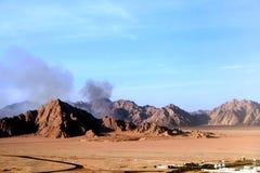 Boven de woestijn stock foto