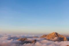 Boven de wolken in het Nationale Park van Lovcen Stock Afbeeldingen