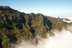 Boven de wolken van Pico do Areeiro Stock Fotografie