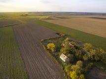 Boven landbouwgebieden in Autumn Sunset Royalty-vrije Stock Foto's