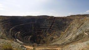 Bovengrondse mijnbouwsteengroeve Timelapse stock videobeelden