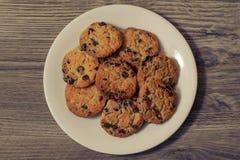 Bovenkant boven boven dichte omhooggaande meningsfoto van smakelijke yummy crumsy heerlijke eigengemaakte koekjes voor geïsoleerd Royalty-vrije Stock Afbeelding