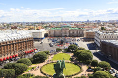 Bovenkant van de Kathedraal van Heilige Isaac, Heilige Petersburg stock foto's