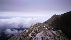 Bovenkant van een berg in Sicilië Stock Foto's
