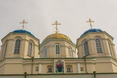 Bovenkant van klooster in Ostroh - de Oekraïne. stock foto's