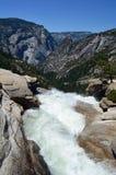 Bovenkant van Nevada Fall, Yosemite, Californië, de V.S. royalty-vrije stock afbeeldingen