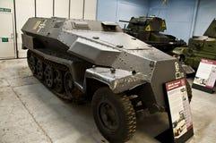BOVINGTON, АНГЛИЯ -12 март 2013 - установленный в 1947, музей танка в Bovington, Дорсете, показывает собрание armored смоквы Стоковые Фотографии RF