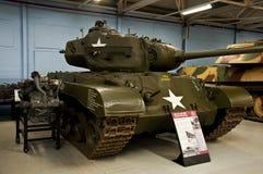 BOVINGTON ENGLAND -12 mars 2013 - som är etablerad i 1947, behållaremuseet i Bovington, Dorset, visar en samling av den bepansrad Arkivfoton