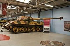 BOVINGTON ENGLAND -12 mars 2013 - som är etablerad i 1947, behållaremuseet i Bovington, Dorset, visar en samling av den bepansrad Royaltyfria Bilder