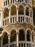 Bovolo trappuppgång eller Scala Contarini del Bovolo, Venedig, Italien Royaltyfri Fotografi