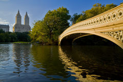 Bow bridge. At dawn in New York's Central Park Royalty Free Stock Images