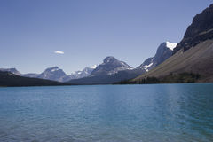Bow lake in the canadian rockies Royalty Free Stock Photos