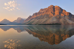 Bow Lake sunrise, Banff National Park Stock Photos