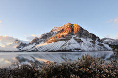 Bow Lake sunrise, Banff National Park Stock Photo
