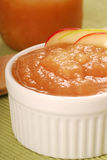 Bowl of applesauce with apple garnish Royalty Free Stock Photos