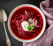 Bowl of beet root soup borsch Royalty Free Stock Images