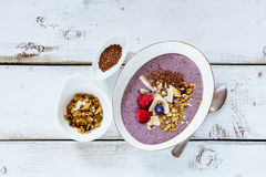 Bowl of berry smoothie Royalty Free Stock Images