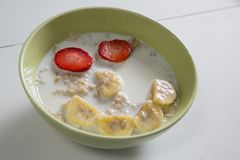 Bowl of breakfast cereal Stock Photos