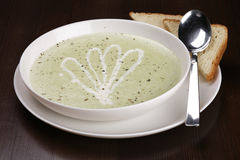 Bowl of brocolli soup Royalty Free Stock Photography